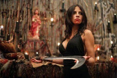 El ritual de sacrificio será sangriento y brutal y estará orquestado por el personaje de Beto Cuevas