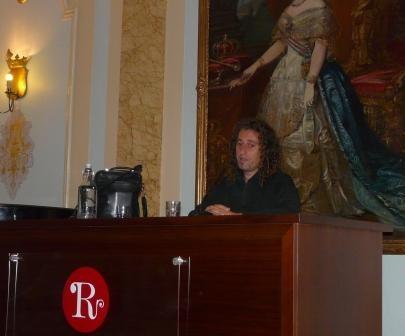 """Presentación del libro """"Jaume Balagueró, en nombre de la oscuridad"""", en la III Semana Gótica de Madrid olivares"""