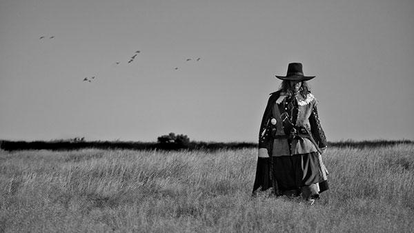A Field In England dirigida por Ben Weathly