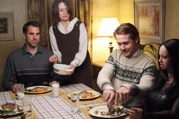 lars y una chica de verdad escena de la cena